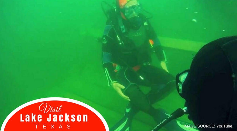 Visit-Lake-Jackson-Texas-Mammoth-Lake-Dive-Park-Divers